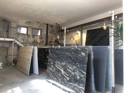 Mast-Ausstellung-AlteHalle-Innen-Einblick
