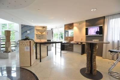 Mast-Ausstellung-EG-Einblick